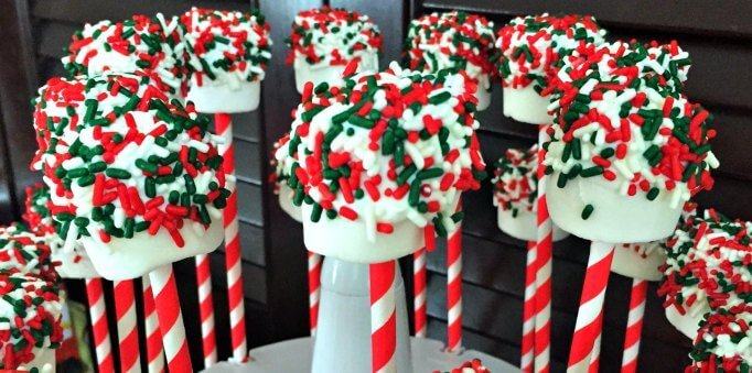 "Christmas ""Marshmallow"" Pops - An Easy Holiday Recipe"